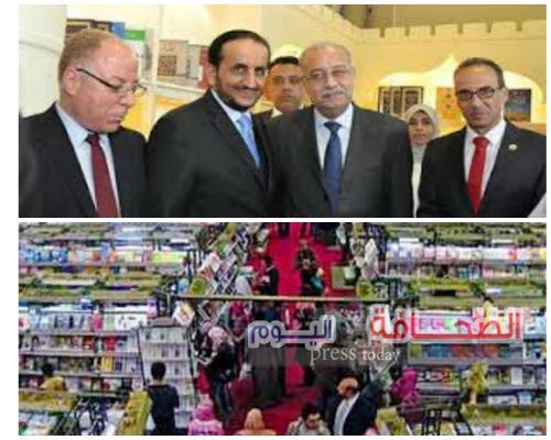 رئيس الوزراء المصري يزور جناح سلطنة عمان بمعرض القاهرة للكتاب