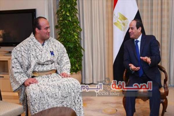"""الرئيس يسقبل """"شعلان """"لاعب السومو المصرى"""