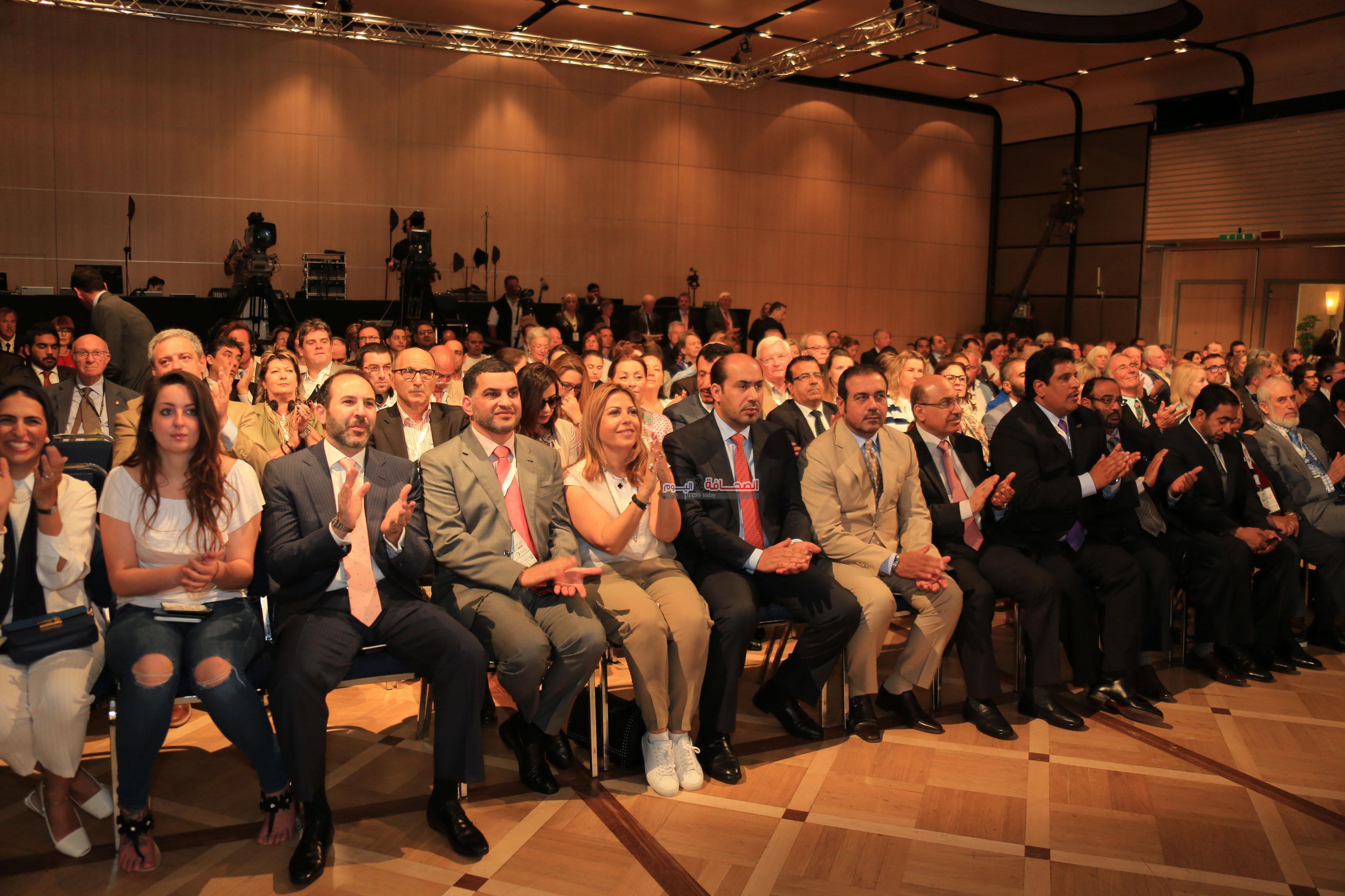 جانب من الحضور يتقدمهم سفير الامارات لدي ايطاليا صقر الريسي