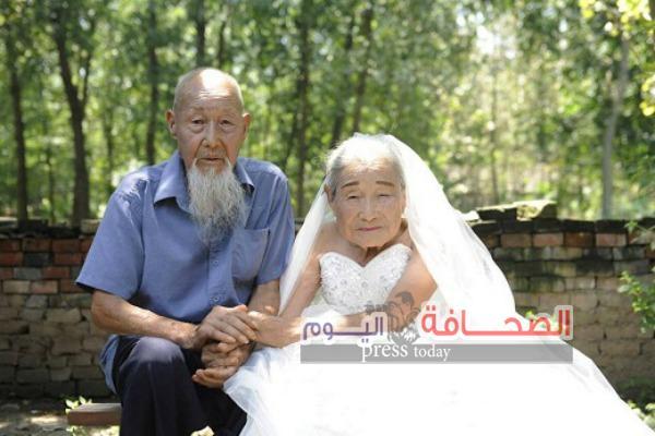 بالصور :  معمران يحتفلان بعيد زواجهما الـ 80