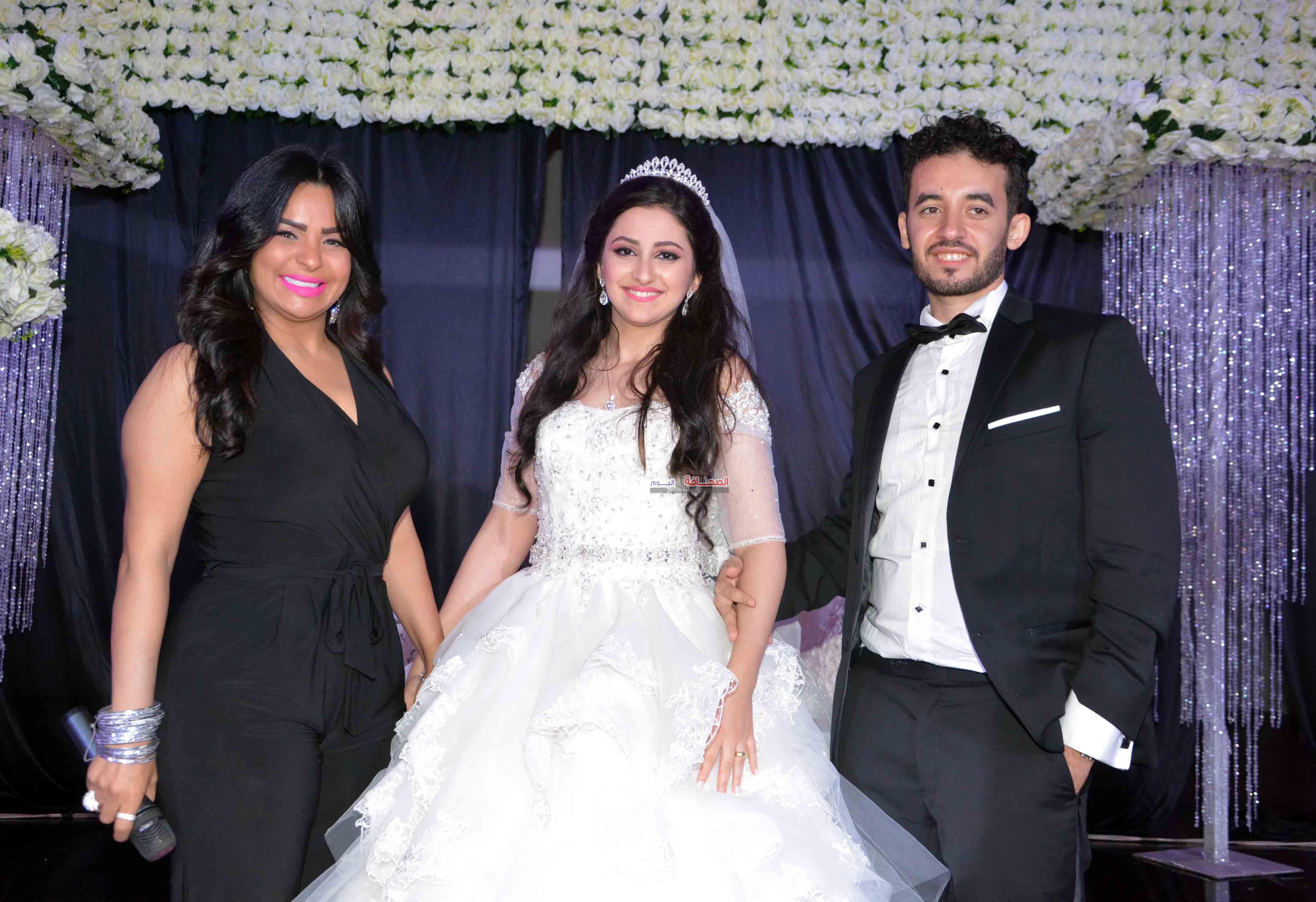 العروسين وهدى(1)