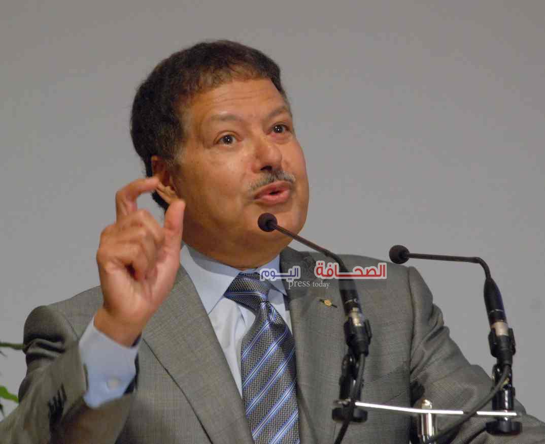 جريدة عمان :  زويل  غيبه الموت وخلدته «نوبل»