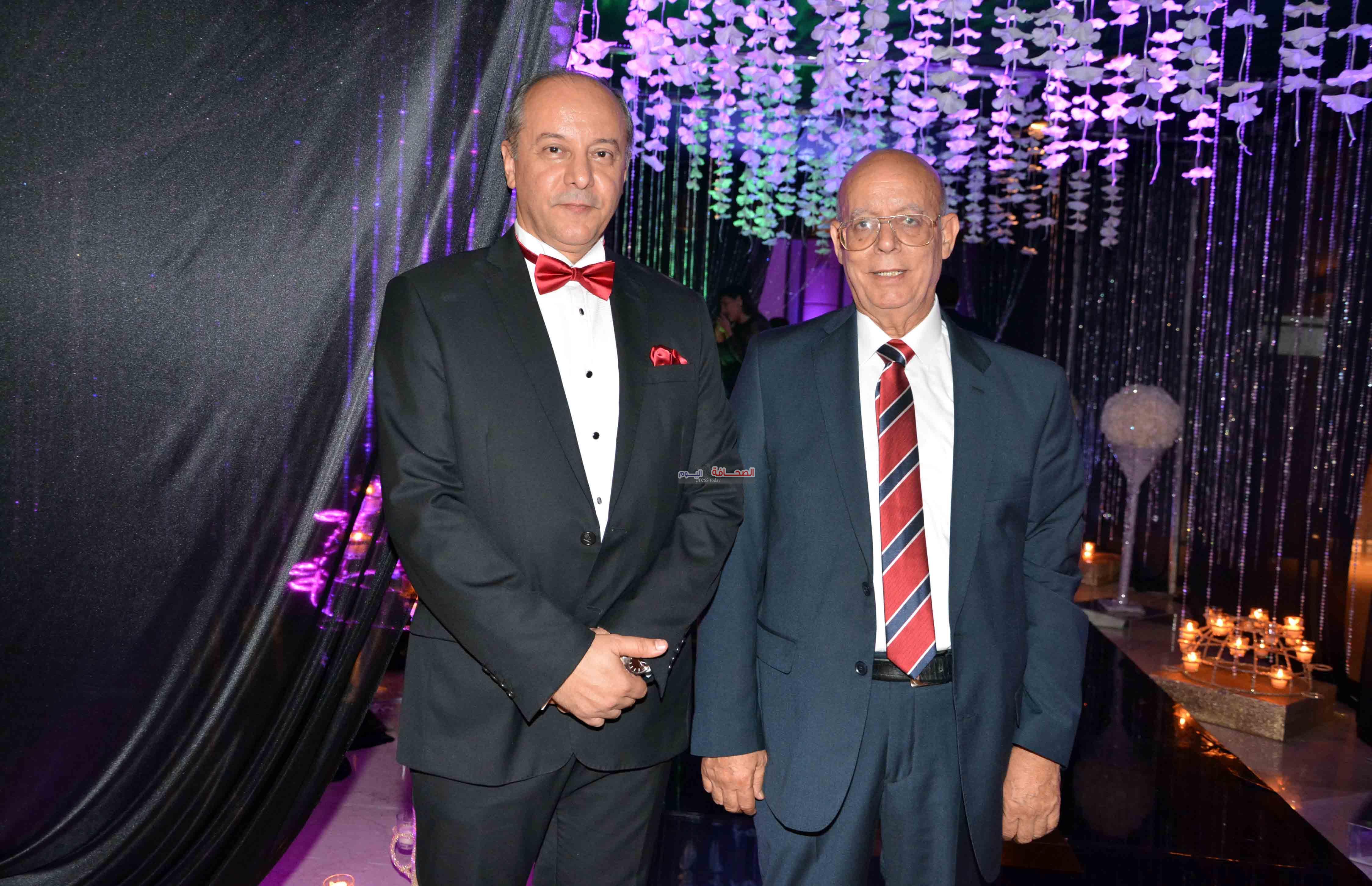 د-الحسينى ومحمد عبد الوهاب والدى العريس(1)