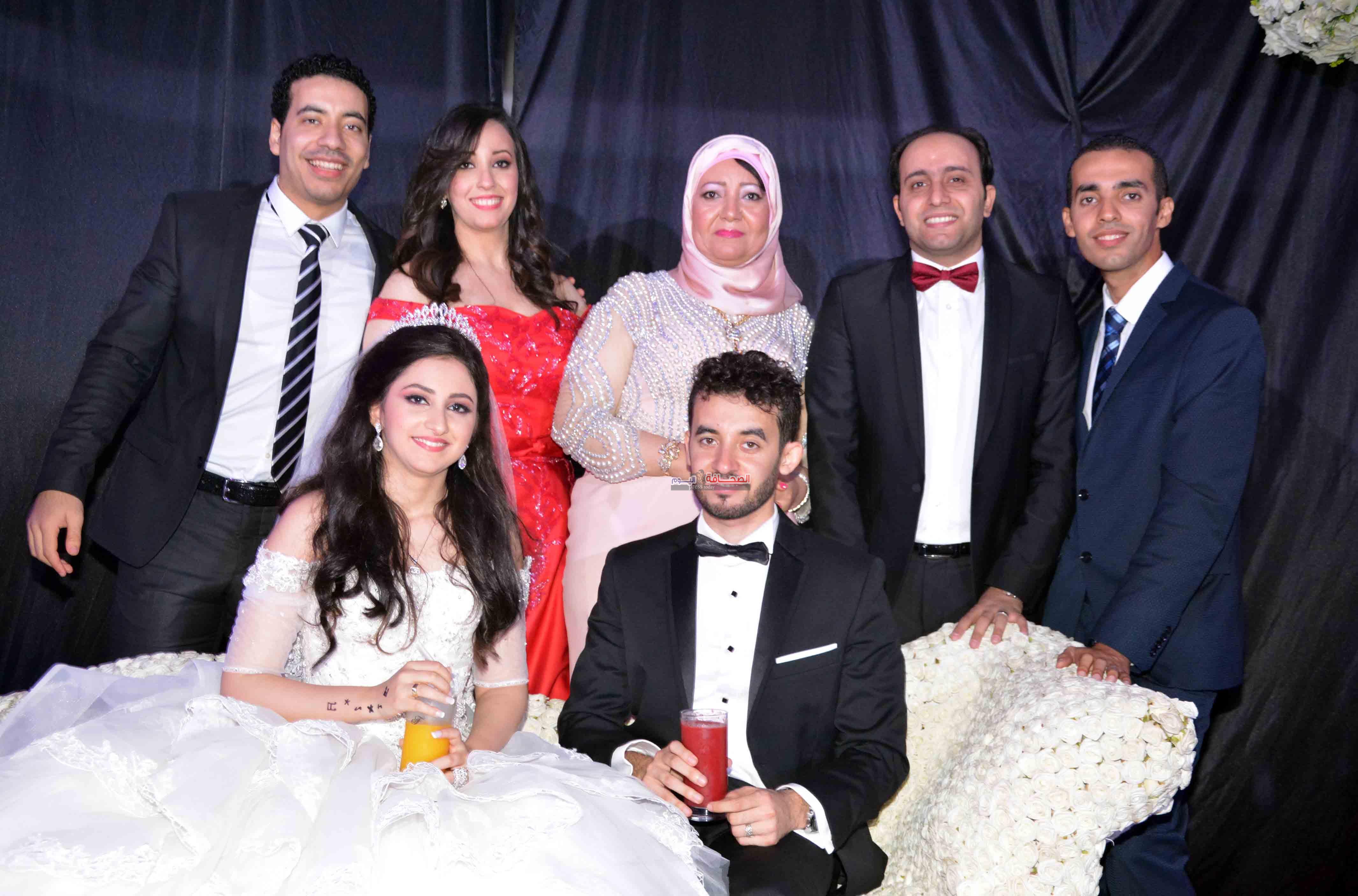 بالصور : زفاف د. محمد وندى برعاية هشام عباس وهدى