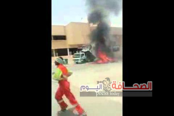 شاهد :سعودى يقود شاحنة مشتعلة