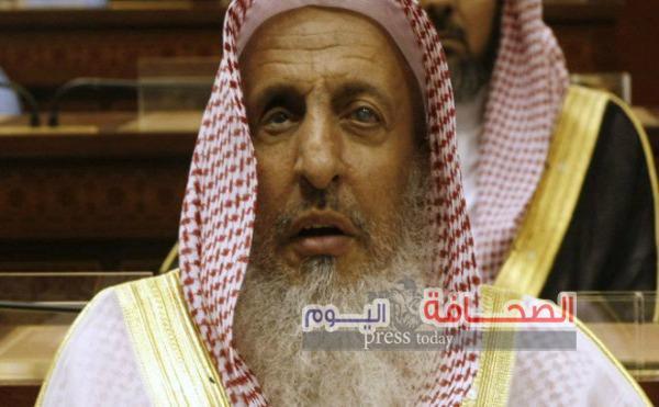 الظروفه الصحية  تمنع مفتى السعوديةمن إلقاء خطبة عرفه