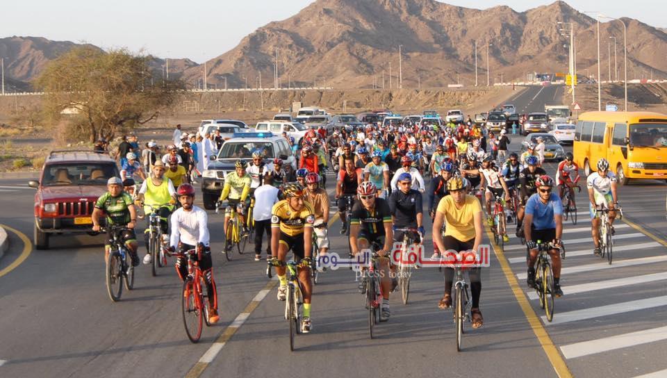 إنطلاق سباق الدراجات الهوائية بالسلطنة