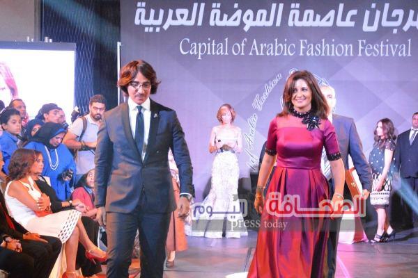 بالصور.. وزيرة الهجرة أشيك وزيرة بمهرجان عاصمة الموضة العربية