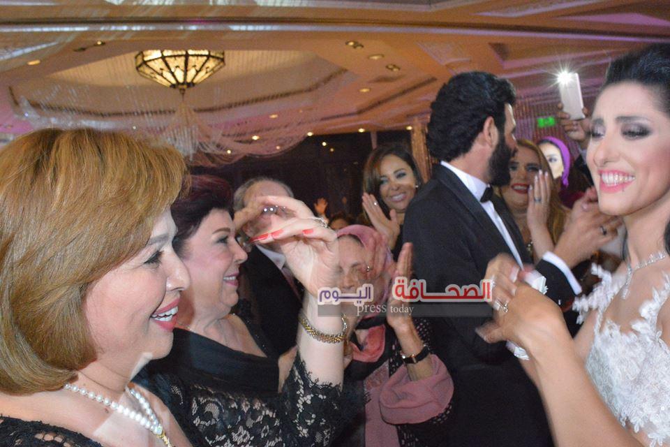 بالصور.. الفنانين فى حفل زفاف الفنانة حنان مطاوع إلى المخرج أمير اليمانى
