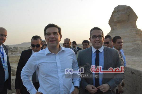 بالصور .. رئيس وزراء اليونان يزور أهرامات الجيزة