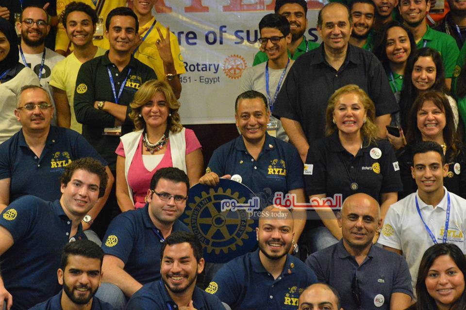 بالصور .. طلاب جامعة القاهرة  يشاركون فى معسكر لإعداد القادة بالعين السخنة