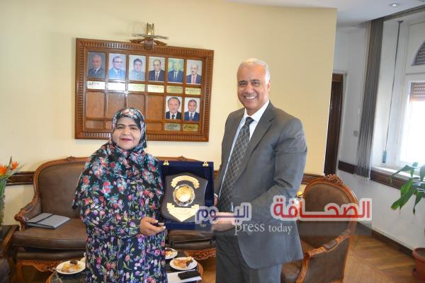 إستقبال الملحقة الثقافية بسفارة سلطنة عمان بجامعة الأسكندرية