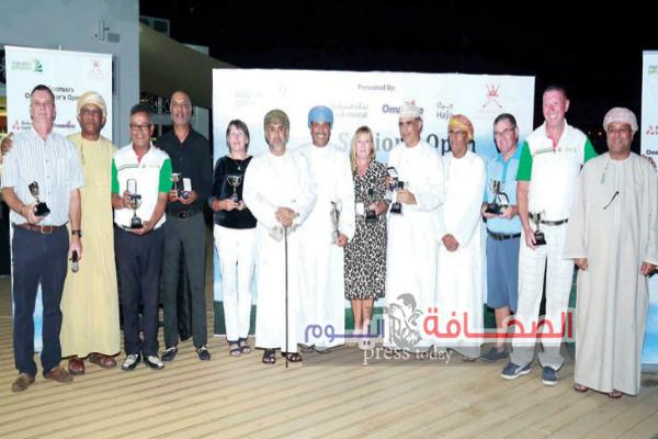 """بمشاركة 90 لاعبا دوليآ """"علي آل صالح"""" يتوج بلقب بطولة عمان لرواد الجولف"""