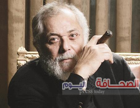 الساحر محمود عبدالعزيز بنادى السينما بمـركز طلـعت حـرب الثقـافى