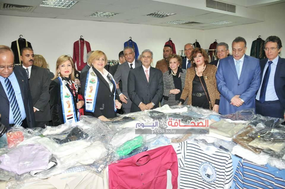 إفتتاح معرض الملابس لطلبة جامعة القاهرة فى دورته الـ 30