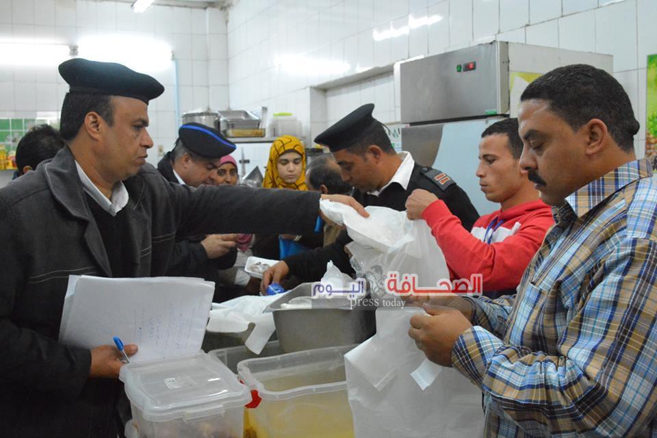 ضبط لحوم وأسماك فاسدة فى حملة على المطاعم النيلية بالجيزة