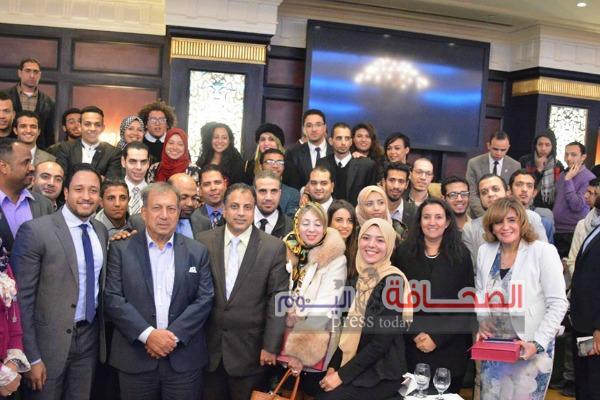 بالصور .. مقهى دعم مشروعات شباب رواد الأعمال بالقاهرة الجديدة