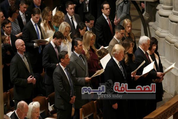 """""""ترامب"""" يستمع لآيات من القرآن فى الكاتدرائية الوطنيه"""