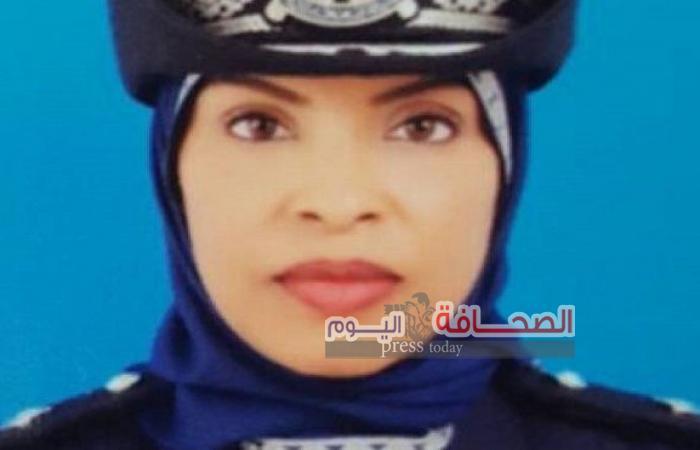 أول امرأة عمانية ضابطا لمركز شرطة