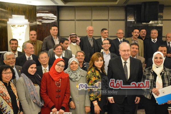 9 خبراء دوليين يشاكرون فى منتدى الإقتصاد العربى على نيل القاهرة