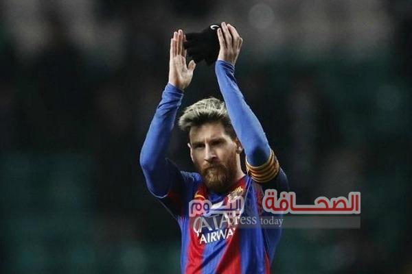 """10 الآف مشجع يطالبون نجم البارسا """"ميسى""""بتجديد عقده"""