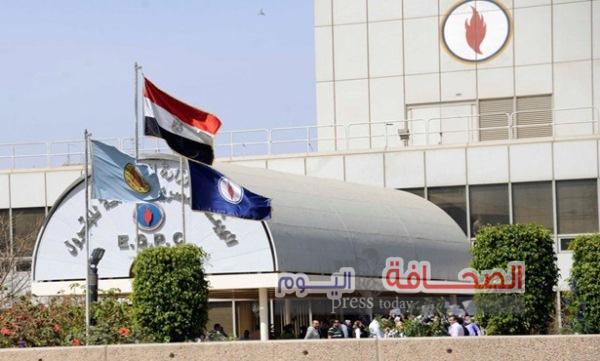 أكثر من 5 مليارات جنيه  مستحقات هيئة البترول لدى مصر للطيران