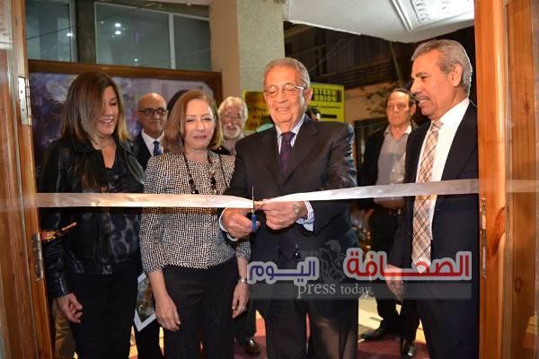 بالصور .. وزراء وفنانين فى إفتتاح معرض نازلى مدكور
