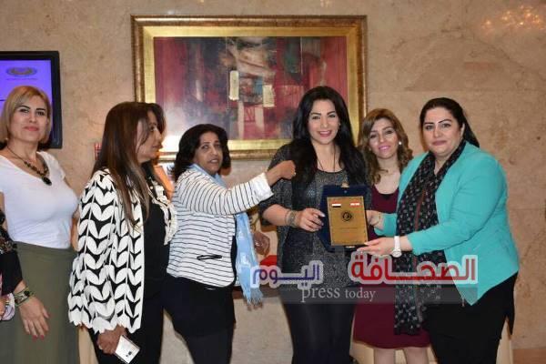 """بالصور:  مجلس رواد الأعمال يكرم """"أسماء حبشى"""""""