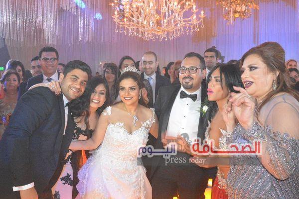بالصور .. وزراء وفنانين فى حفل زفاف كريمة عاطف واصف
