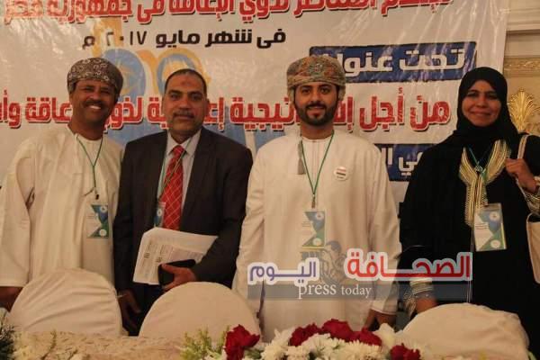 عرض أول تجربة لمذيع عماني أصم بالقاهرة