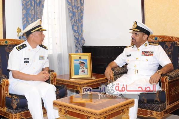 قائد الأسطول البحري الصيني يبحث تعزيز التعاون مع سلطنة عُمان