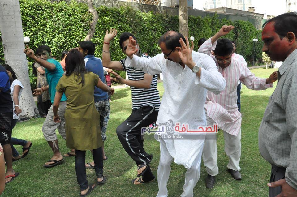 سفراء ودبلوماسيون وإعلاميون يحتفلون بعيد الربيع بمنزل سفير الهند