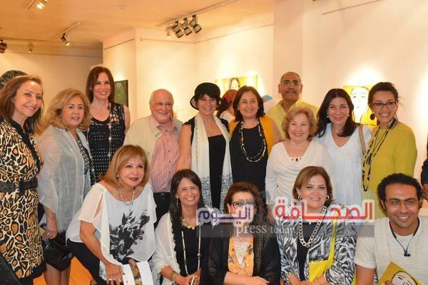 """إفتتاح معرض """"نقطة نور"""" للفنانة وفاء نشاشيبى"""