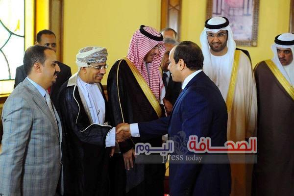 الرئيس عبدالفتاح السيسيى يلتقى وزير الإعلام العُمانى