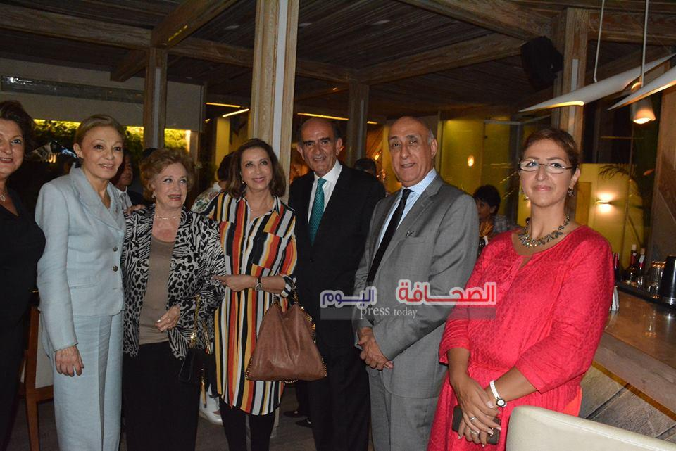 بالصور .. فرح ديبا تحتفل بعيد ميلاد جيهان السادات