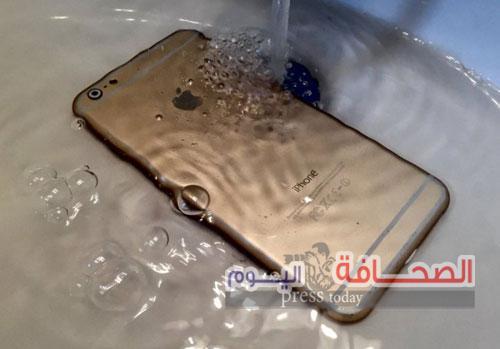 ماذا تفعل فور سقوط السوائل على هاتفك المحمول ؟
