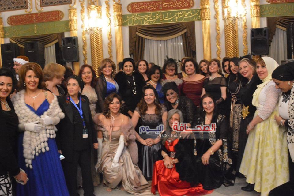 الطربوش الأحمر نجم حفل سيدات الأعمال بقصر محمد على