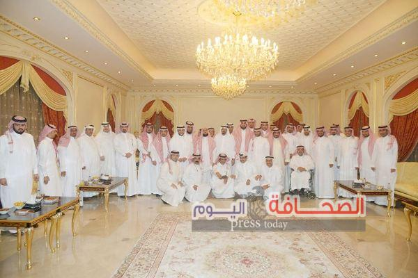 الأميرعبدالله بن خالد بن سلطان في ضيافة العبداللطيف