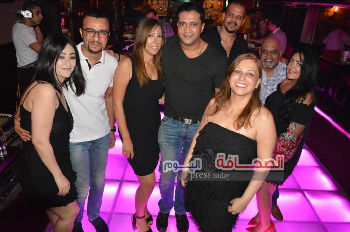 رجل الأعمال مصطفى رائف يحتفل بعيد ميلاده على أنغام ال(دى جى)