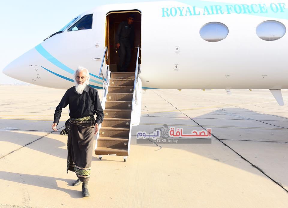 بعد تدخل الدبلوماسية العمانية :وصول موظف حكومي الفاتيكان إلى مسقط تمهيدًا لعودته إلى وطنه
