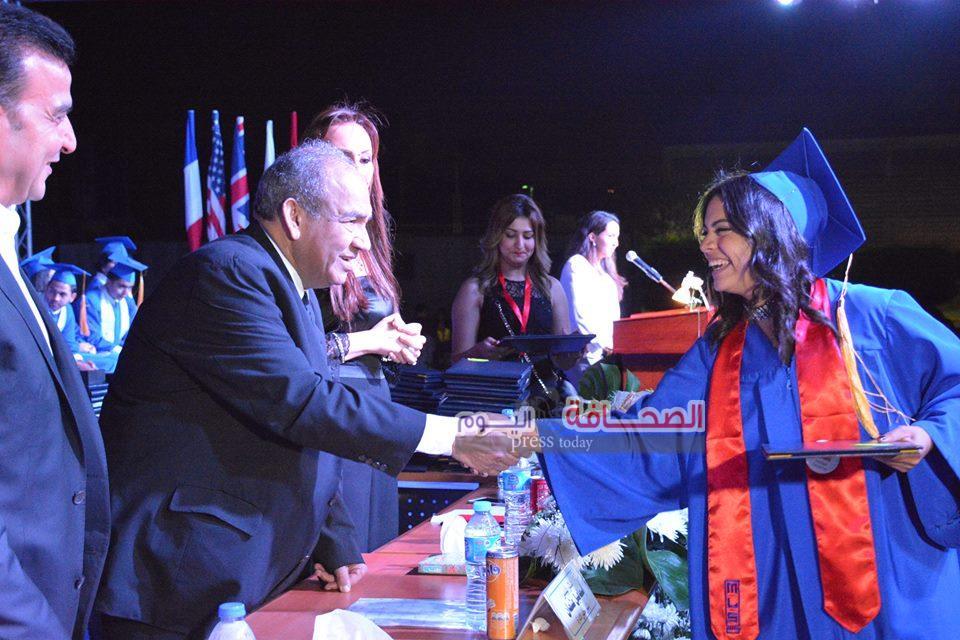 بالصور .. حفل تخرج الشهادات الثانوية بمدارس مصر للغات