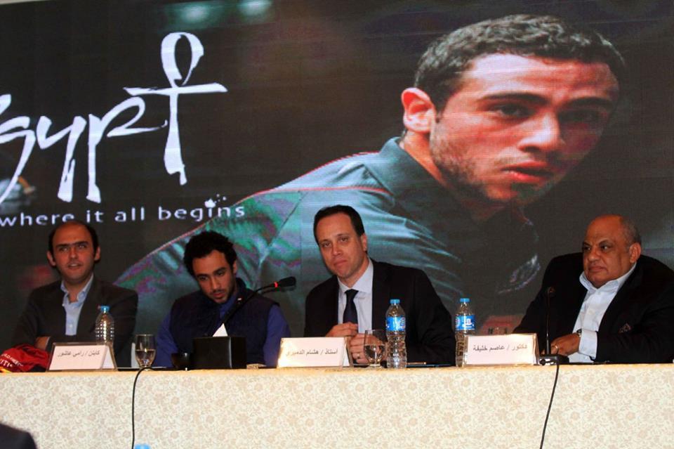 (رامي عاشور) لاعب الإسكواش الدولي سفيراً للسياحة المصرية