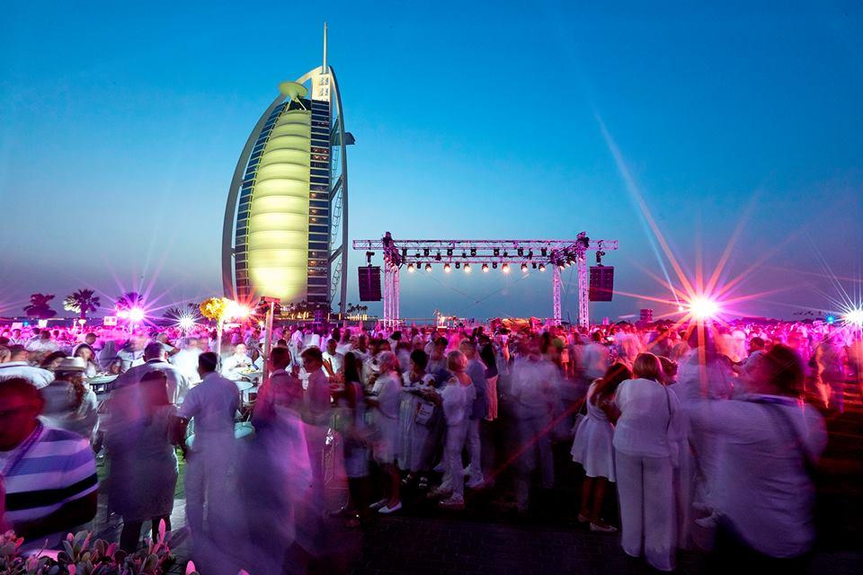 """المغامرات العربية"""" تنظم مجموعة حوافر لشركة عالمية في دبي"""