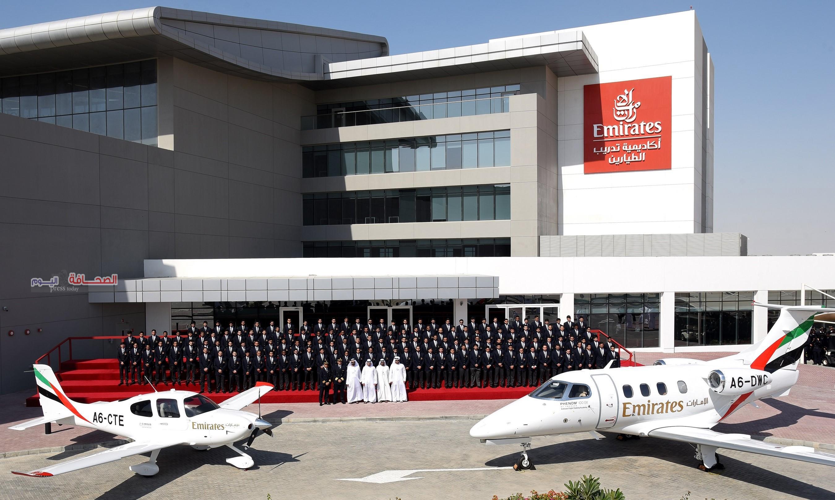 محمد بن راشد يفتتح أكاديمية الإمارات لتدريب الطيارين
