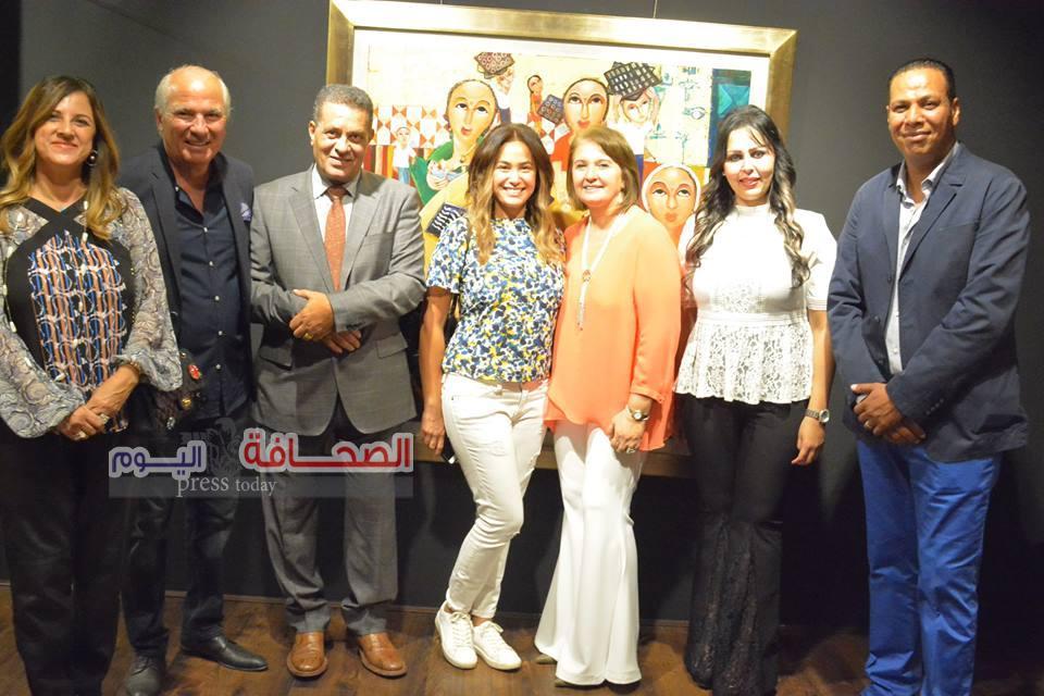 بالصور .. نجوم السياسة والفن يفتتحون معرض الكابتن طاهر الشيخ