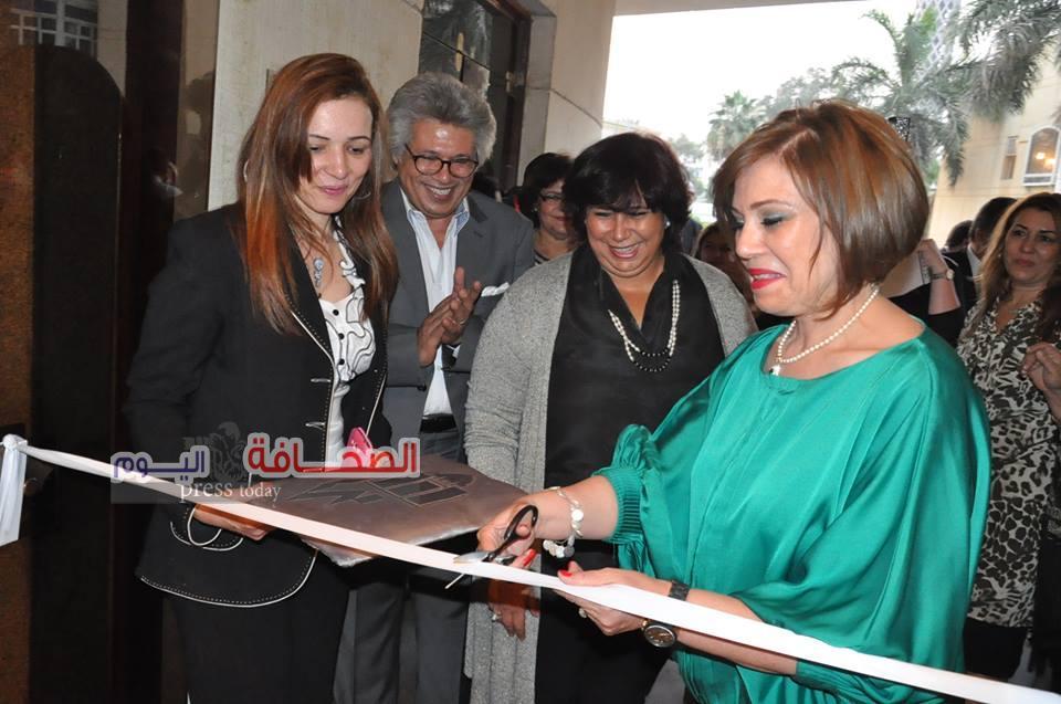 بالصور .أفتتاح معرض ألوان مشتركة للفنانة غادة أبو حديد