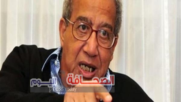 د. جلال أمين يتسلم جائزة السلطان قابوس للثقافة والفنون والآداب