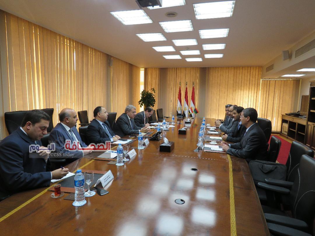 الجارحى يلتقى بنظيره الليبى لبحث سبل التعاون الاقتصادى والمالي بين البلدين