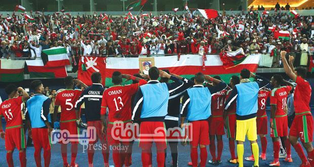 إحتفالات الفرحة بصعود المنتخب العمانى لكرة القدم الي المباراة النهائية