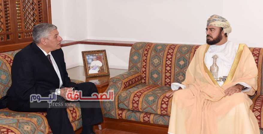سفير مصرلدي السلطنة يعرب عن شكره لجلالة السلطان قابوس على الدعم الذي لقيه خلال فترة عمله